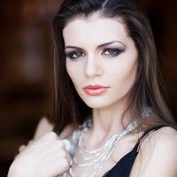 Vedete România: Moni, devoratoarea de miliardari
