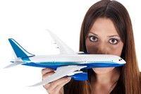 8 trucuri ca să rezişti în avion