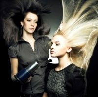 5 sfaturi ca să-ţi aperi părul de soare