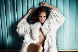 Jennifer Lopez, aproape goală într-un pictorial, după divorţ