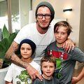 Hollywood: 10 bărbaţi supersexy, familişti convinşi