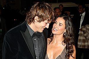 Hollywood: 5 motive pentru care Demi Moore se desparte de Ashton Kutcher