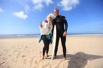 Anda Adam, surf în Australia pentru noul clip