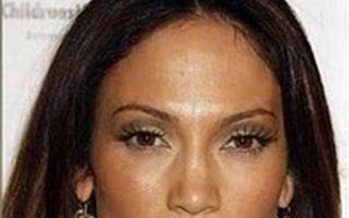 Hollywood: 10 vedete distruse de machiaj