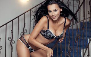 """Lavinia Pîrvă a pozat sexy pentru FHM: """"Îmi împart patul doar cu Richy!"""""""