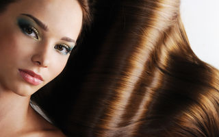 6 trucuri naturale ca să ai păr strălucitor