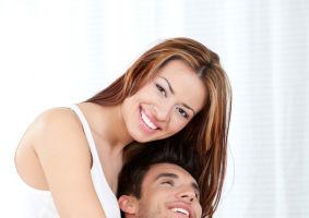 8 trucuri ca să nu se plictisească de tine după sex