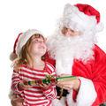 56% dintre români cred în Moş Crăciun