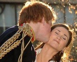 Pippa pipăită de Prinţul Harry! Poze cu sosiile lor