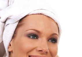 6 tratamente naturale ca să ai un păr superb de Sărbători