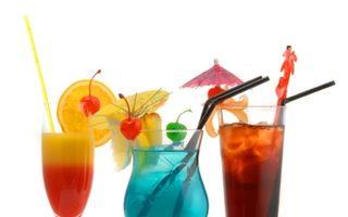 Top 8 reţete de cocktail-uri pentru Anul Nou. Ameţeşte-te cu arome!