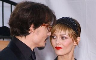 Vanessa Paradis i-a dat papucii lui Johnny Depp?