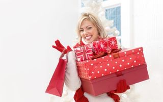 Singură de Crăciun: 6 sfaturi ca să fii fericită, fără un partener