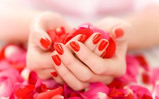 5 obiceiuri care îţi distrug unghiile când îţi faci manichiura