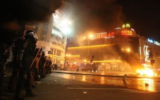 Sondaj eva.ro: Ce credeţi despre violenţele din Piaţa Universităţii?