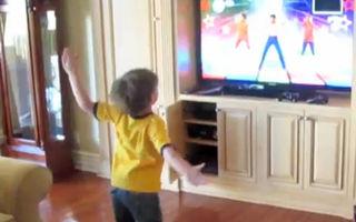 Video: Fiul lui Britney Spears face senzaţie pe internet cu mişcările lui de dans