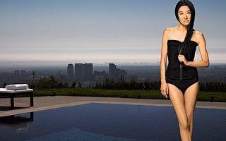 Vera Wang arată senzaţional în costum de baie, la 62 de ani