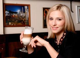 Dana Rogoz face paste cu vodcă