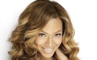 Părul tău: Cum şi-l aranjează 5 vedete ca să aibă bucle perfecte