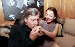 Cum arată inelul de logodnă primit de Brigitte Sfăt de la Ilie Năstase
