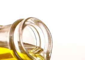 9 uleiuri cu care găteşti sănătos. Foloseşte-le în bucătărie!