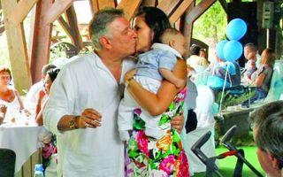 La 60 de ani, Mădălin Voicu va fi din nou tată