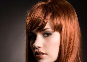 Părul tău: 5 metode naturale să-l colorezi fără vopsea permanentă