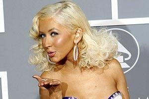 Vilă de vedetă: Christina Aguilera îşi vinde palatul cu 13,5 milioane de dolari