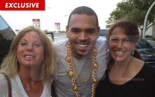 Chris Brown, cu ditamai lanțul de cocalar la gât!
