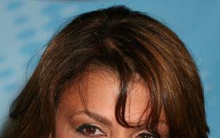 Paula Abdul i-a plătit unei femei aproape un milion de dolari