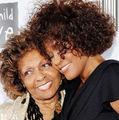 Mama lui Whitney vrea să ia legătura cu spiritul fiicei ei