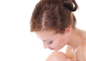 7 sfaturi ca să încetineşti creşterea părului după epilat
