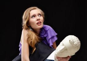 Horoscop: De ce eşti încă singură? Zodia ta poate fi de vină