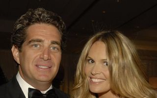 Elle Macpherson s-a despărţit de miliardarul Jeff Soffer
