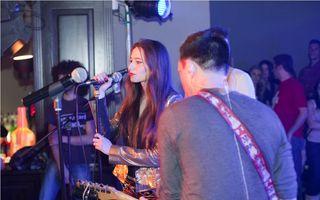 Julie i-a interzis Danei Săvuică să vină la concertul ei din club Tribute! Tânăra a cântat alături de VUNK
