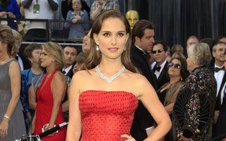 Rochia purtată de Natalie Portman la Oscar, vândută cu 50.000 de dolari