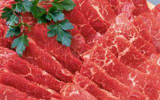 Studiu: consumul zilnic de carne roşie creşte riscul de deces