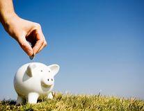 Bugetul familiei: 10 sfaturi ca să economiseşti 300 de lei pe lună