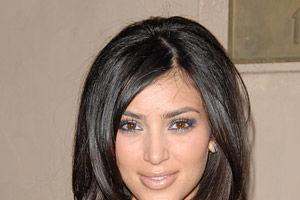 VIDEO. Kim Kardashian, bombardată cu făină