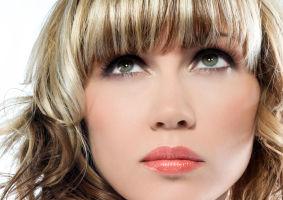 Părul tău: 6 coafuri sexy pentru femei leneşe. Fii o divă în doar 5 minute!
