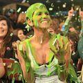 Halle Berry, stropită cu noroi verde!