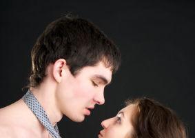 Horoscop: Ce temeri au bărbaţii atunci când iubesc, în funcţie de zodia lor