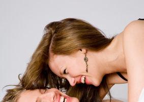 Horoscop: Cum să-i testezi dragostea, în funcţie de zodia lui