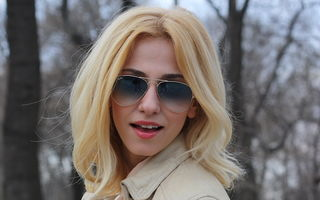 Modă: 9 ţinute de primăvară inspirate de Dana Rogoz