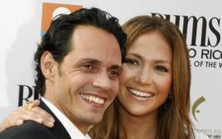 Marc Anthony a cerut oficial divorţul