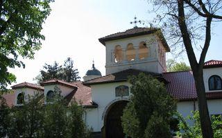 România mondenă: Top 5 biserici şi mânăstiri preferate de vedete. Află de ce!