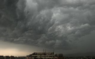 Avertizare meteo: furtună și grindină în Bucureşti şi Ilfov