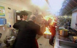 Dezastru în bucătăria Masterchef: era să ia foc cu tigaie cu tot!