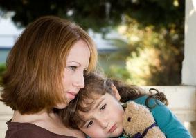 """""""Fiica mea vrea să fie băiat, ca s-o placă tatăl care a părăsit-o"""""""