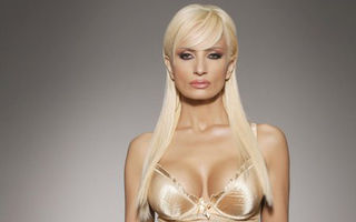 România mondenă: 5 vedete care şi-au micşorat sânii. Vezi cine sunt!